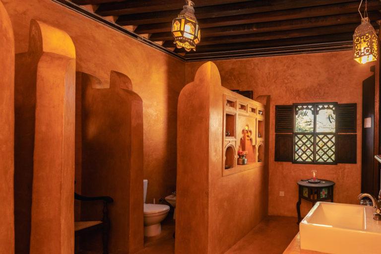Bathroom in room 11